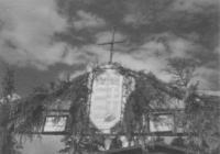 1. A pockingi hadifogolytábor bejárata feletti dekoráció (Pocskai János hagyatékából)