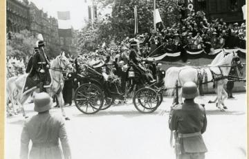 1937: Király(i) biztosítás